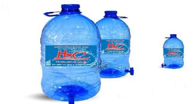 Bình nước khoáng 5l có vòi bao nhiêu tiền?