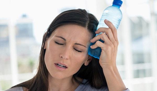 những dấu hiệu nào cho thấy cơ thể đang mất nước