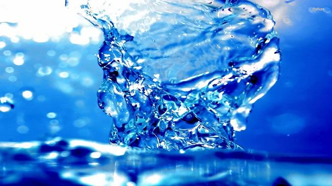 Tại sao nước khoáng uống tốt hơn nước cất?