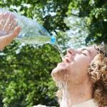 Dấu hiệu cho thấy bạn đã uống quá nhiều nước