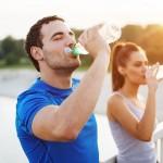 Những hiểu lầm về việc uống nước gây hại cho sức khỏe